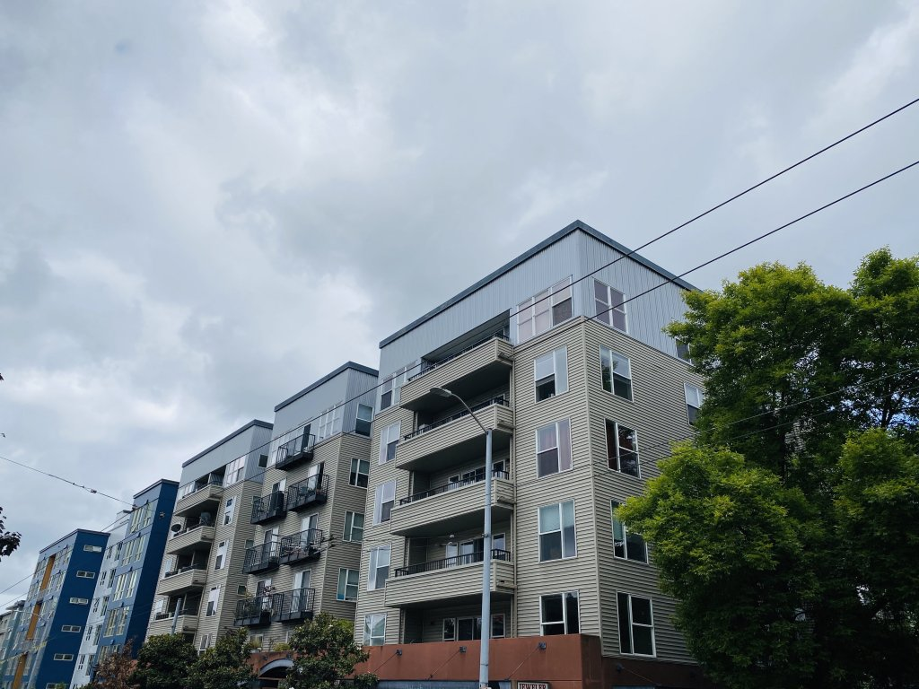 property_image - Condominium for rent in Seattle, WA